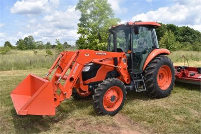 USED 2019 KUBOTA M7060D FARM TRACTOR EQUIPMENT #2133-11