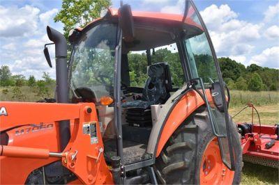 USED 2019 KUBOTA M7060D FARM TRACTOR EQUIPMENT #2133-12