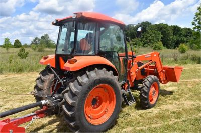 USED 2019 KUBOTA M7060D FARM TRACTOR EQUIPMENT #2133-16