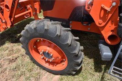 USED 2019 KUBOTA M7060D FARM TRACTOR EQUIPMENT #2133-25