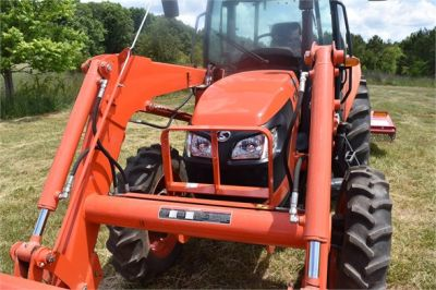 USED 2019 KUBOTA M7060D FARM TRACTOR EQUIPMENT #2133-26