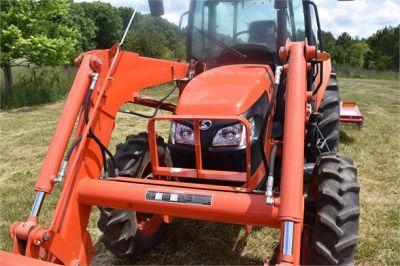 USED 2019 KUBOTA M7060D FARM TRACTOR EQUIPMENT #2133-26
