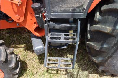 USED 2019 KUBOTA M7060D FARM TRACTOR EQUIPMENT #2133-31