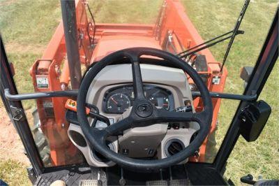 USED 2019 KUBOTA M7060D FARM TRACTOR EQUIPMENT #2133-35