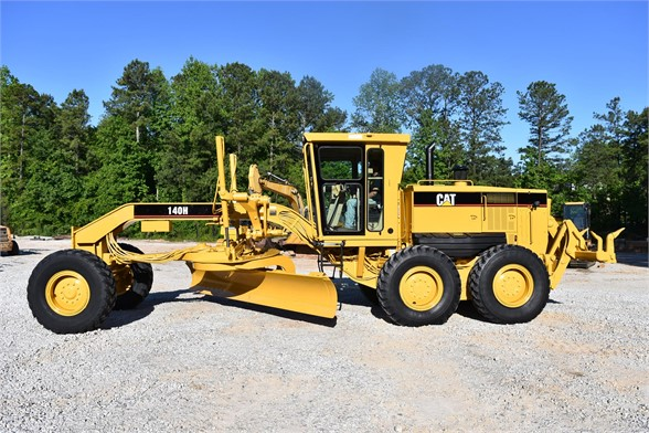 USED 2005 CATERPILLAR 140H MOTOR GRADER EQUIPMENT #2135