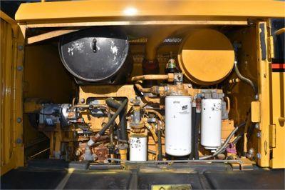 USED 2005 CATERPILLAR 140H MOTOR GRADER EQUIPMENT #2135-18