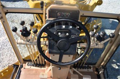 USED 2005 CATERPILLAR 140H MOTOR GRADER EQUIPMENT #2135-31