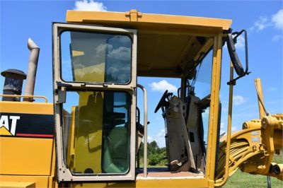 USED 1998 CATERPILLAR 140H MOTOR GRADER EQUIPMENT #2145-23