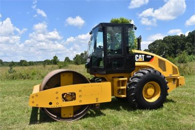USED 2012 CATERPILLAR CS56 COMPACTOR EQUIPMENT #2158-12
