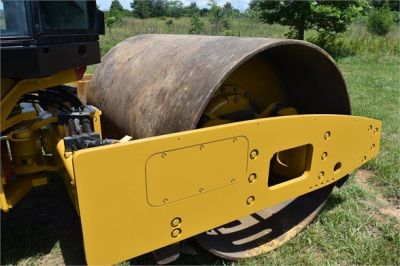 USED 2012 CATERPILLAR CS56 COMPACTOR EQUIPMENT #2158-13