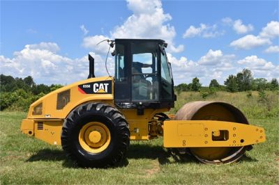 USED 2012 CATERPILLAR CS56 COMPACTOR EQUIPMENT #2158-5