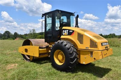 USED 2012 CATERPILLAR CS56 COMPACTOR EQUIPMENT #2158-9