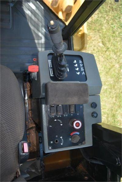 USED 2011 CATERPILLAR CP-533E COMPACTOR EQUIPMENT #2171-20