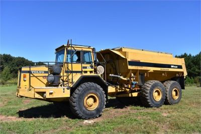 USED 1993 VOLVO A35C WATER TRUCK #2212-1