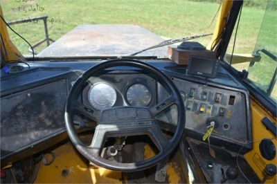 USED 1993 VOLVO A35C WATER TRUCK #2212-27