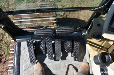 USED 2005 CATERPILLAR 330CL EXCAVATOR EQUIPMENT #2220-28