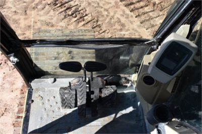 USED 2006 CATERPILLAR 330CL EXCAVATOR EQUIPMENT #2231-28