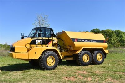 USED 2009 CATERPILLAR 725 WATER TRUCK #2260-12