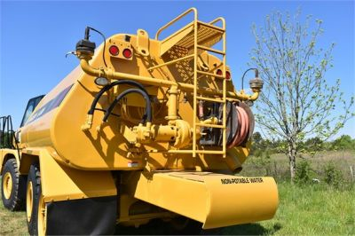 USED 2009 CATERPILLAR 725 WATER TRUCK #2260-17