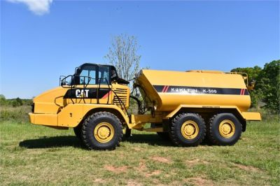 USED 2009 CATERPILLAR 725 WATER TRUCK #2260-2