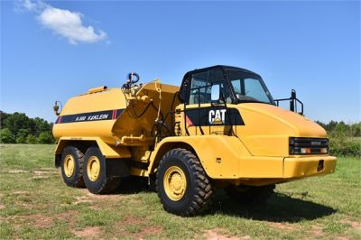 USED 2009 CATERPILLAR 725 WATER TRUCK #2260-20