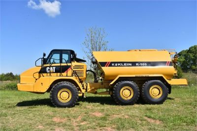 USED 2009 CATERPILLAR 725 WATER TRUCK #2260-6