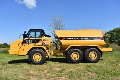 USED 2009 CATERPILLAR 725 WATER TRUCK #2260-7