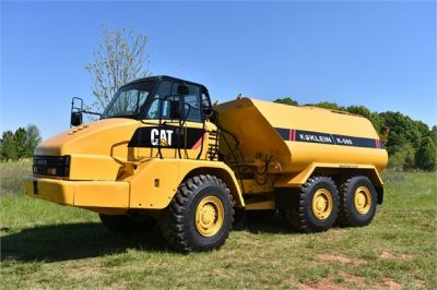 USED 2009 CATERPILLAR 725 WATER TRUCK #2260-9