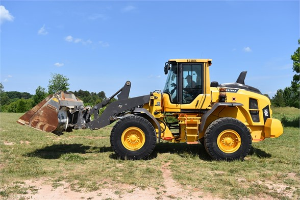 USED 2015 VOLVO L90H WHEEL LOADER EQUIPMENT #2375