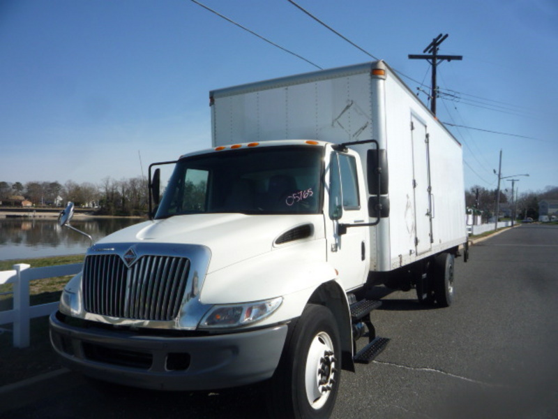 USED 2007 INTERNATIONAL 4300 BOX VAN TRUCK #10945