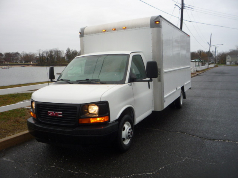 USED 2012 GMC G3500 BOX VAN TRUCK #10989