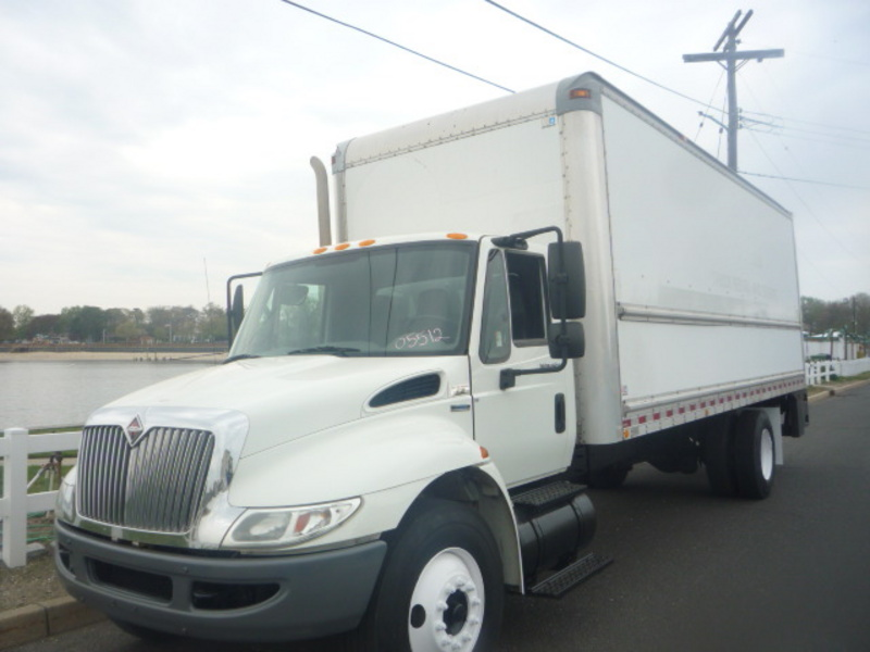 USED 2008 INTERNATIONAL 4300 BOX VAN TRUCK #11042
