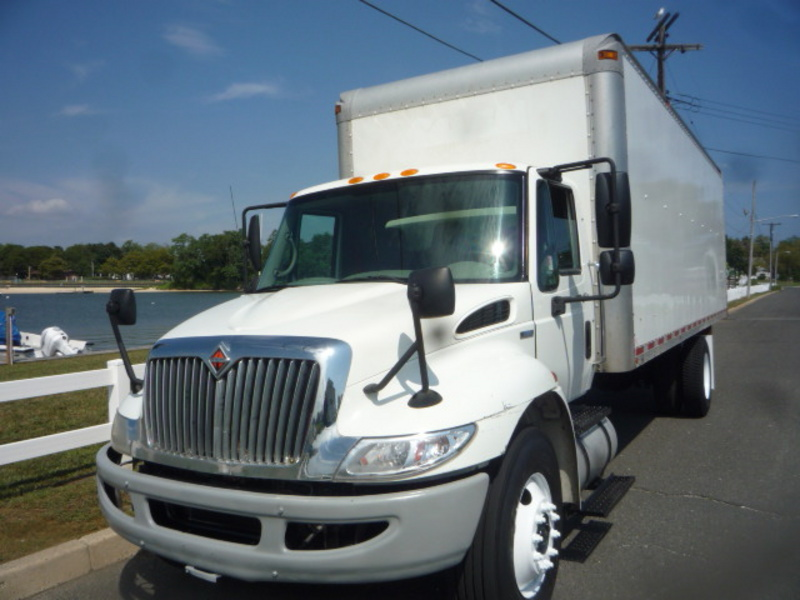 USED 2009 INTERNATIONAL 4300 BOX VAN TRUCK #11044