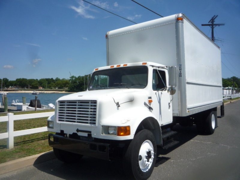 USED 1993 INTERNATIONAL 4700 BOX VAN TRUCK FOR SALE IN IN