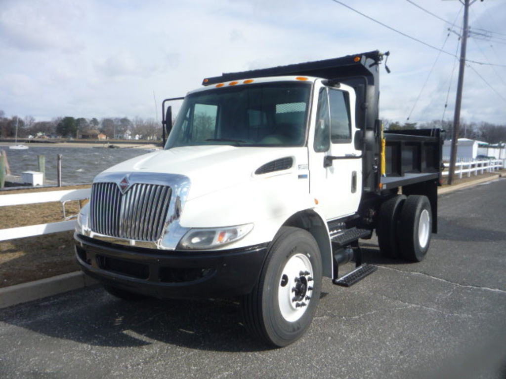 USED 2013 INTERNATIONAL 4300 DUMP TRUCK #11151