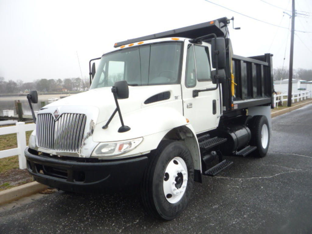 USED 2007 INTERNATIONAL 4300 DUMP TRUCK #11154