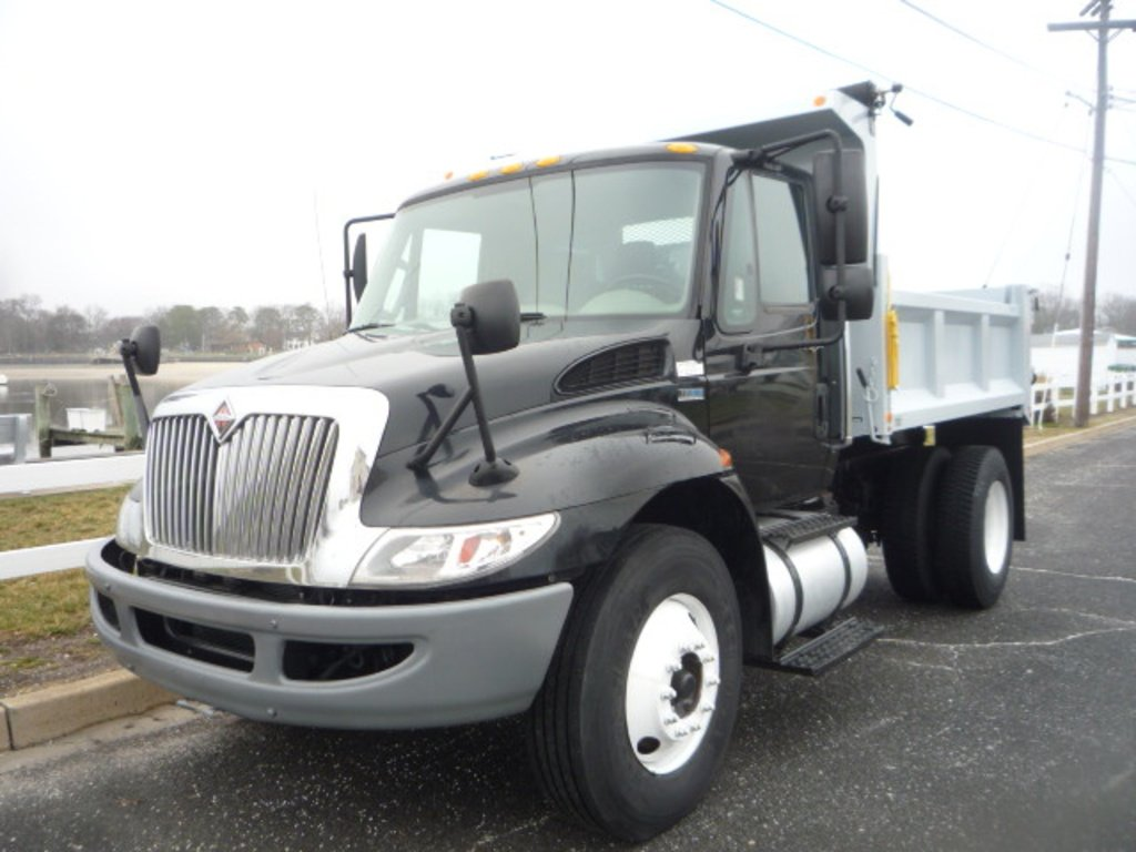 USED 2012 INTERNATIONAL 4300 DUMP TRUCK #11158