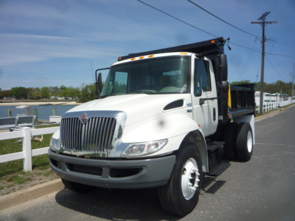 USED 2012 INTERNATIONAL 4300 DUMP TRUCK #11168
