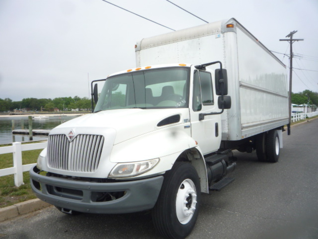 USED 2008 INTERNATIONAL 4300 BOX VAN TRUCK #11185