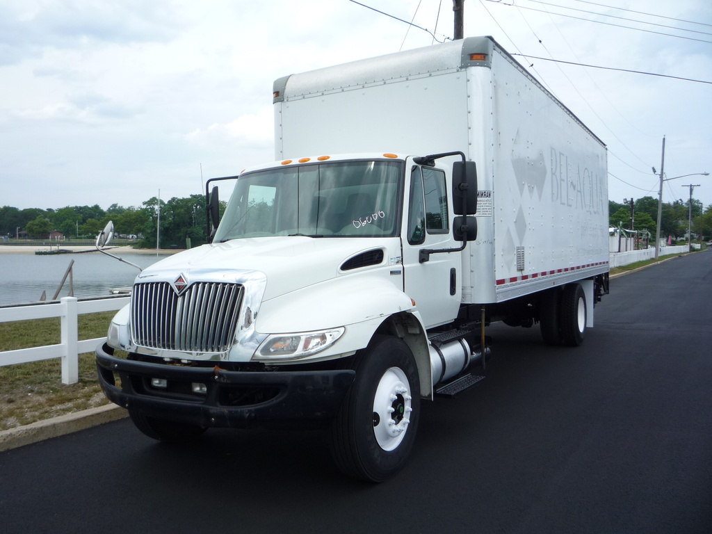 USED 2011 INTERNATIONAL 4400 BOX VAN TRUCK #11194