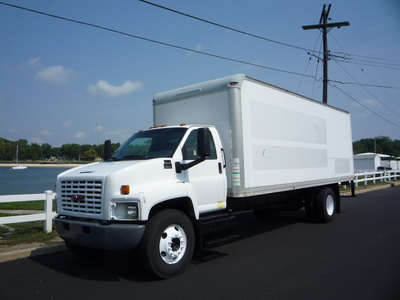 USED 2007 GMC C-7500 BOX VAN TRUCK #11205-1