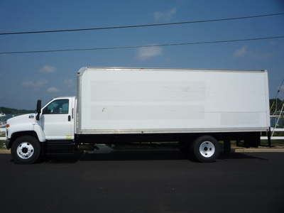 USED 2007 GMC C-7500 BOX VAN TRUCK #11205-4