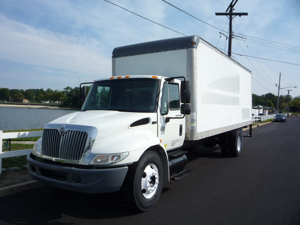 USED 2006 INTERNATIONAL 4300 BOX VAN TRUCK #11212