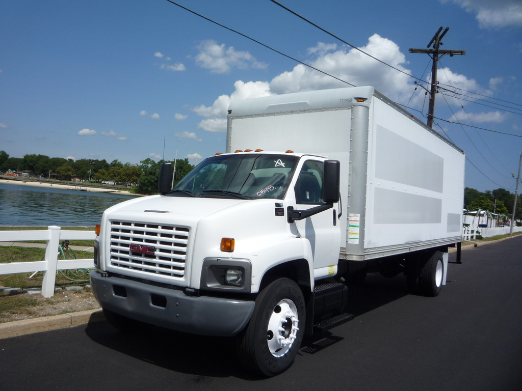 USED 2007 GMC C7500 BOX VAN TRUCK #11213