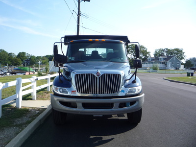 USED 2012 INTERNATIONAL 4300 ROLL-OFF TRUCK #11216-3