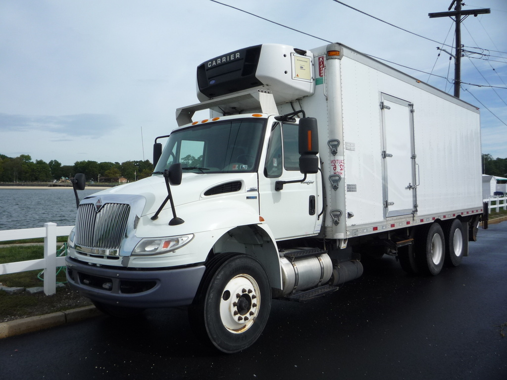 USED 2010 INTERNATIONAL 4400 6X4 REEFER TRUCK #11232