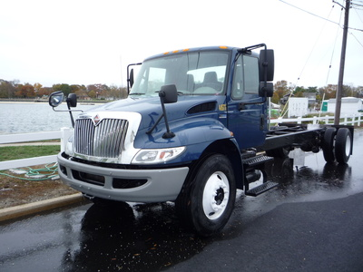 USED 2013 INTERNATIONAL 4300 CAB CHASSIS TRUCK #11250-1