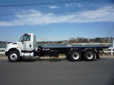 USED 2011 INTERNATIONAL 4400 TANDEM 6 X 4 ROLL-OFF TRUCK #11360-4