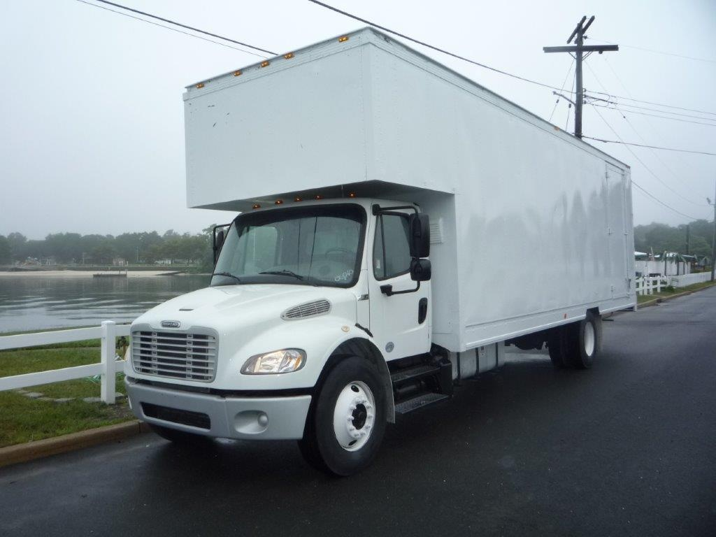 USED 2016 FREIGHTLINER M2 28 FT. MOVING TRUCK #11450