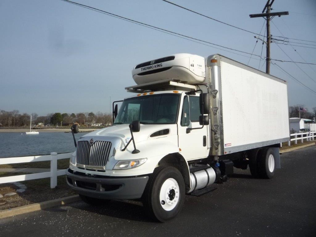 USED 2015 INTERNATIONAL 4300 REEFER TRUCK #11525